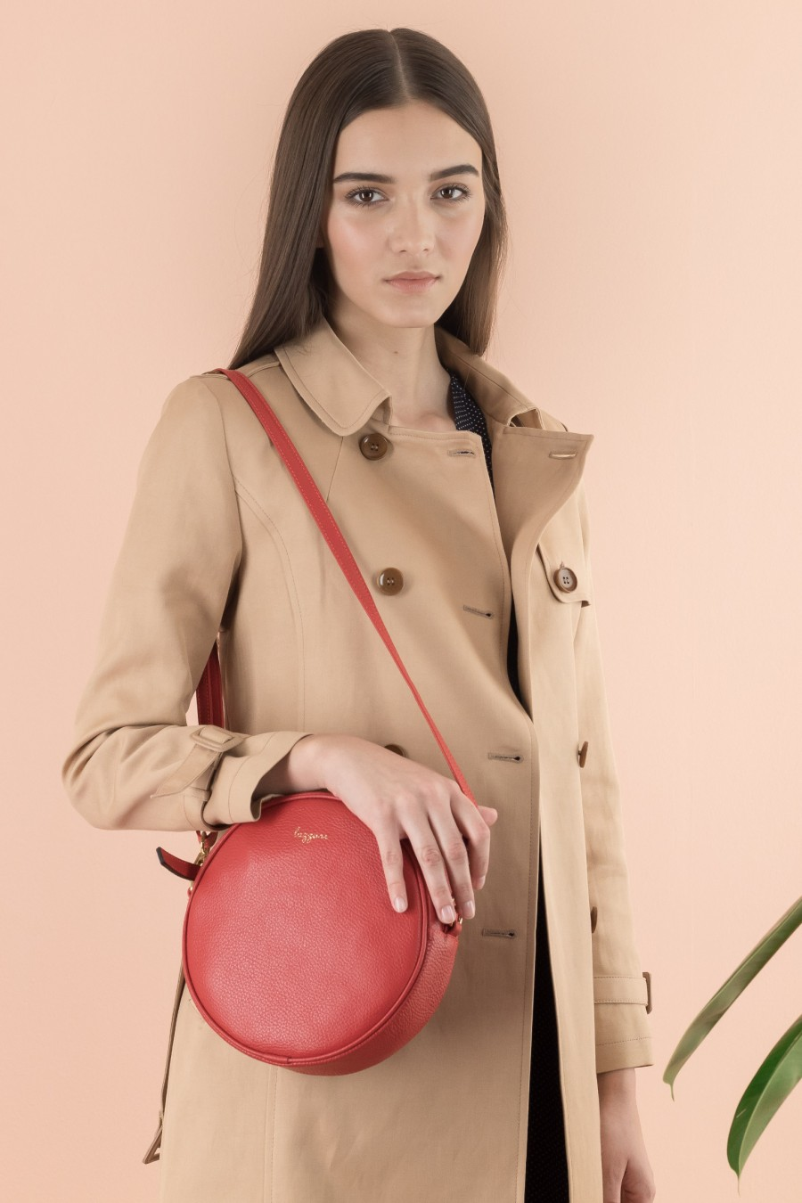 Shoulder round bag
