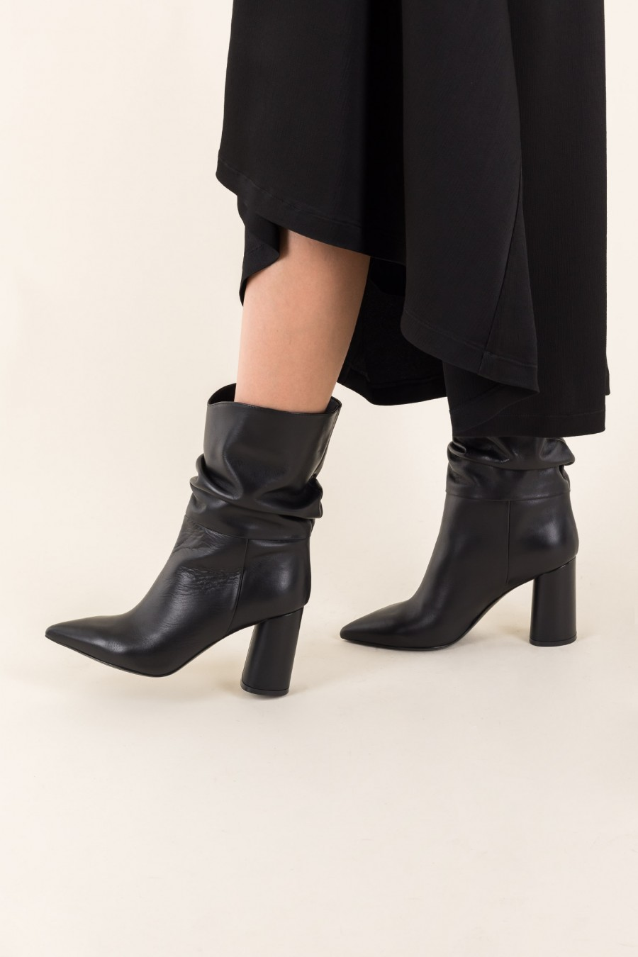 Slouch black boots