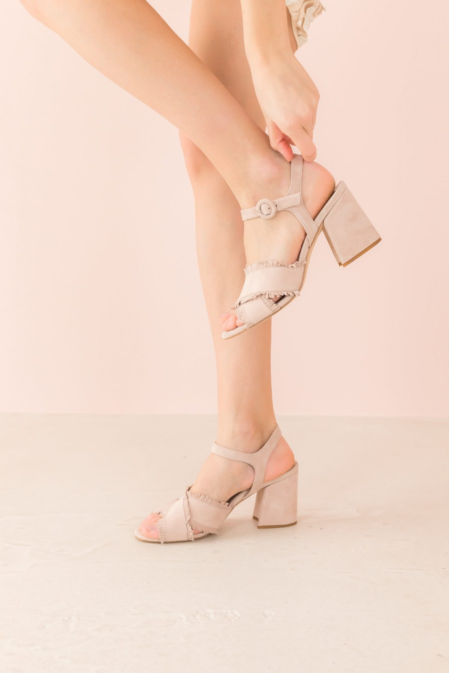 powder sandal with fringes