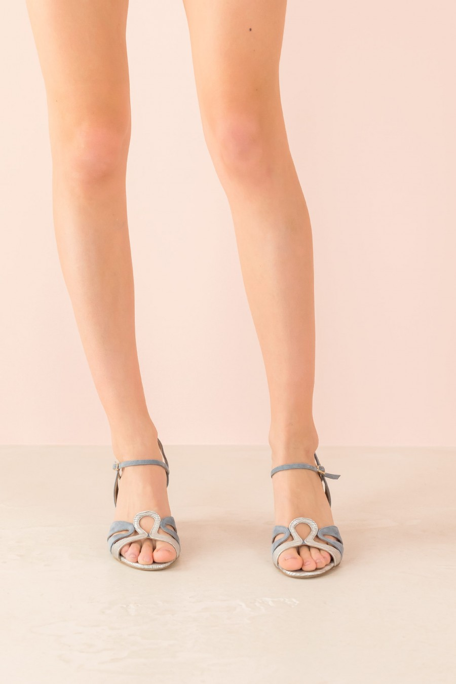 bicolored sandal with strap