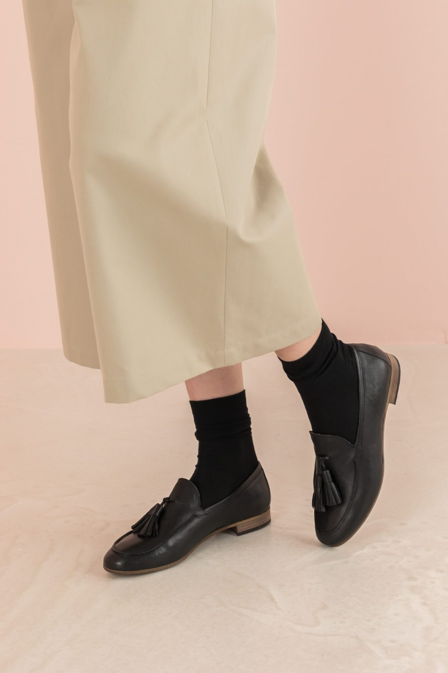 leather loafer with tassels