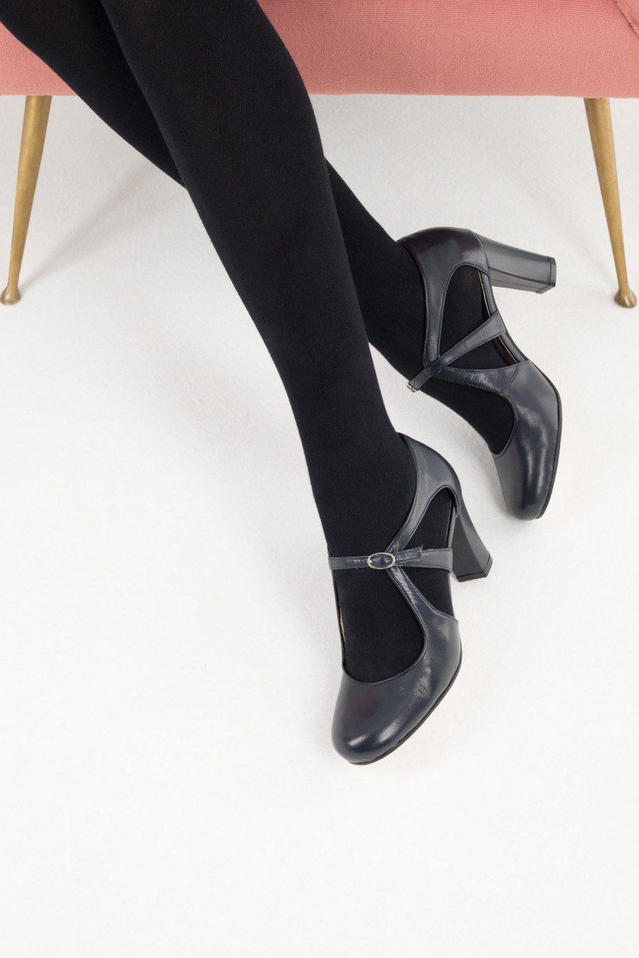 Tango shoes with ankle strap